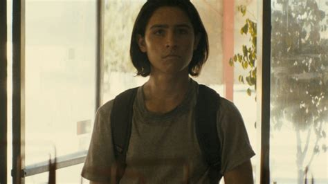 Fear The Walking Dead: Chris Shows His Zombie-Fighting